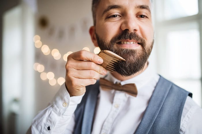 Difference between Beard Brush and Beard Comb